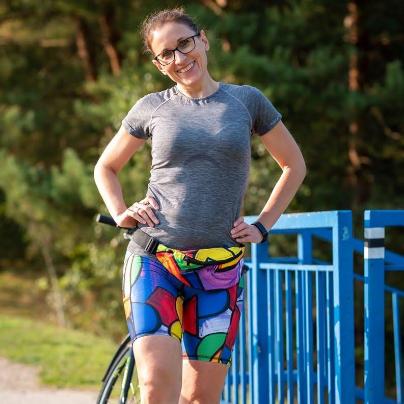 kolorowe legginsy do biegania pikasa biegaczka kolorowa nerka saszetka