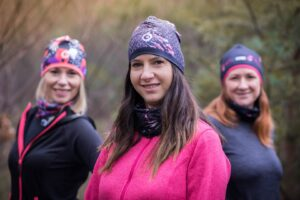termoaktywne kolorowe czapki do biegania dla kobiet