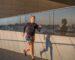 kobieta w biegu kolorowe legginsy do biegania