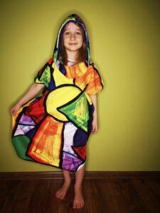 kolorowe poncho dla dzieci pikasa